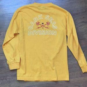 Dark Seas Division Men's size small t shirt